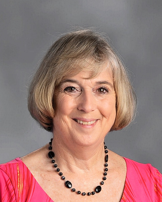 Librarian of Long Middle School, Sue Hays