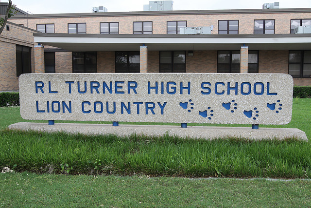 The main sign for Turner high school